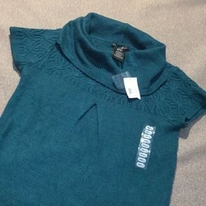 Design History short sleeve sweater new with tag!